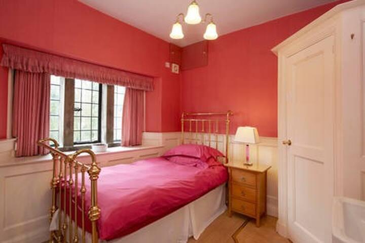 Single Room Penistone/Thurlstone