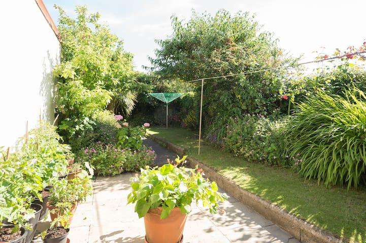 Sunny Twin Room near Beach & Town - Northam, Bideford - House