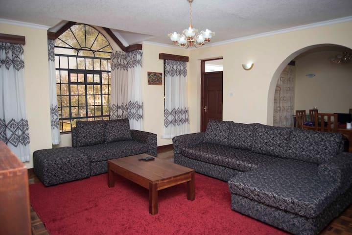 Double ensuite room in kilimani III - Nairobi - Leilighet