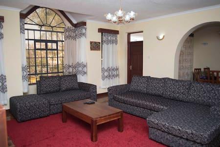 Double ensuite room in kilimani III - Nairobi
