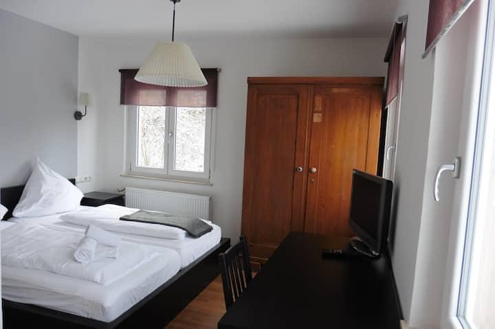 Pension Glücklich, (Horgenzell), Doppelzimmer, 15qm, mit Dusche und WC