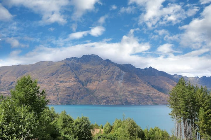 Wakatipu House - work from home, family friendly
