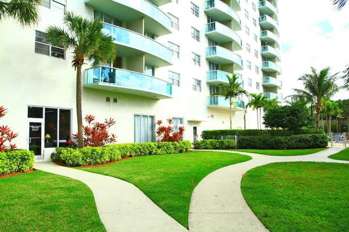 2 Bedroom Bay view Apartment OR1610