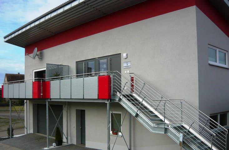 Ferienwohnung bis 6 Personen Neubau, Balkon, Sauna - Weiltingen - Semesterboende