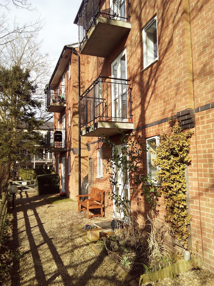 First floor apartment in Millbank