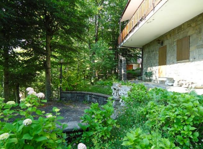 Tranquilla Casa per Vacanze - San Benedetto Val di Sambro - Hus