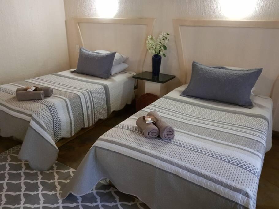Twin Bedroom no.5