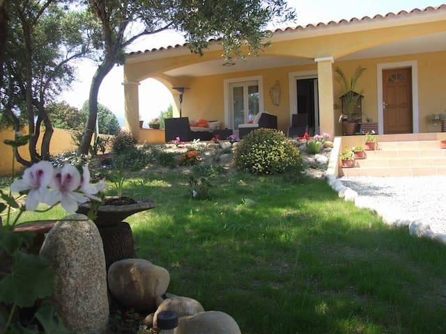 Villa proche de Solenzara - Ventiseri - Bed & Breakfast