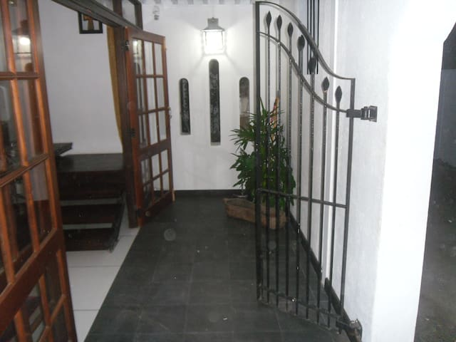 D and D's Apartment - Colombo - Leilighet