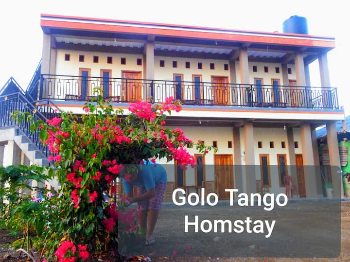 Deluxe Room #1 with Balcony - Golo Tango Homestay