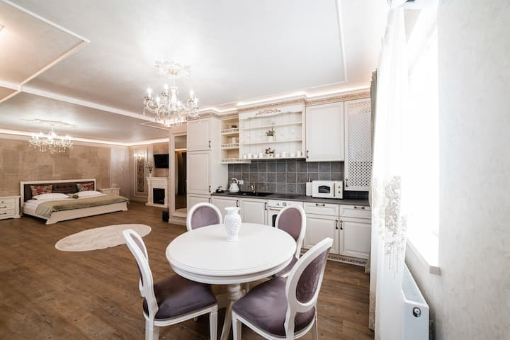 VIP apartment on Duhnovicha street .Free parking.