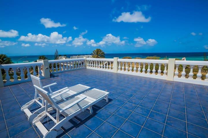 Villa La Fleur Aruba 1