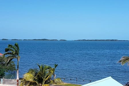 See Belize Panoramic Sea View 2-BR Vacation Rental - เบลิซ ซิตี้ - อพาร์ทเมนท์