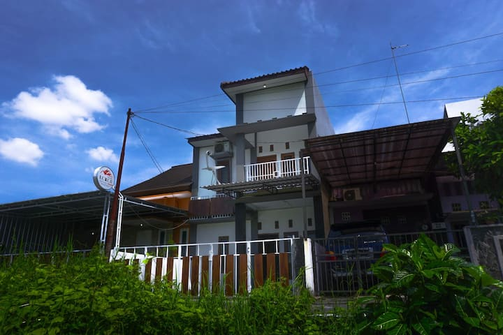 Omah Leren - Guest House in Jogja City