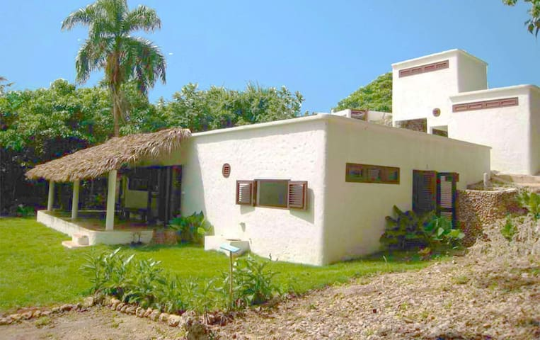 La Cueva, eco-house for 4 close to the beaches