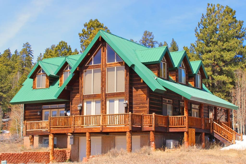Luxury cabin sleeps 14 near zion and bryce parks cabins for Cabins for rent in zion national park