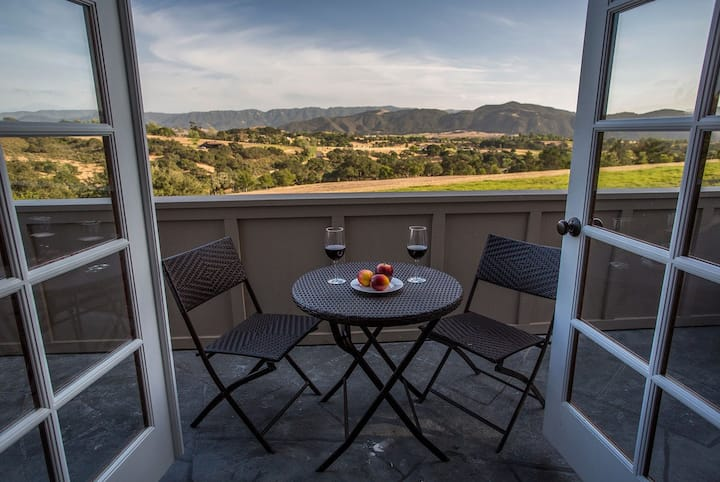 Ballard Canyon Ranch - Beautiful Home on 20 acres in Wine Country