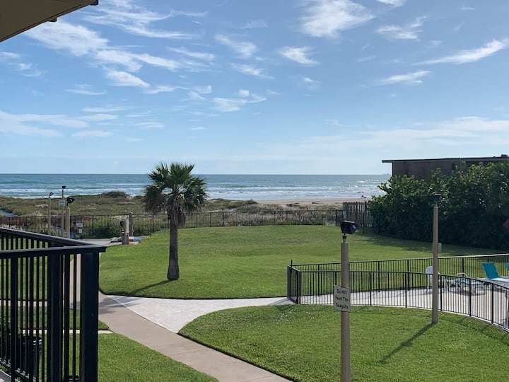 Relaxing beachfront condo great for families