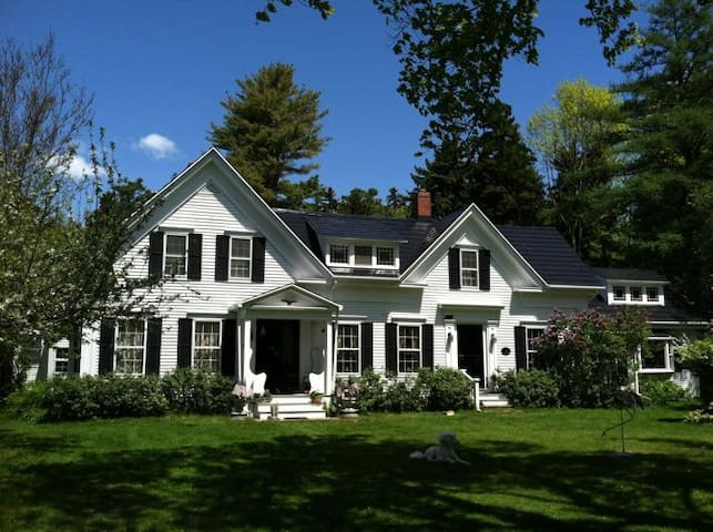 Chebeague Island, ME-Pullman Suite, Sleeps 5