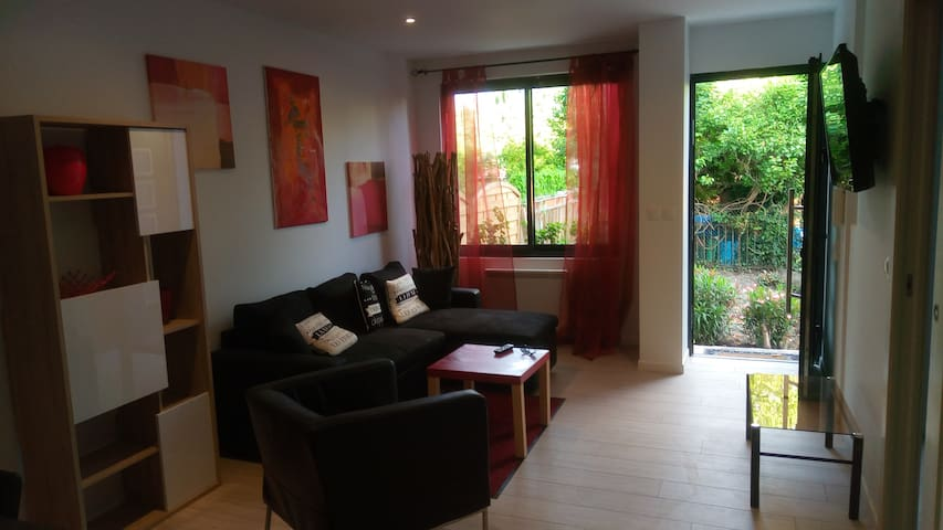 4 people appartment near Paris