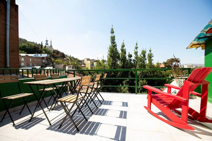 ✿3BR duplex apt. w/ terrace in the heart of the city✿