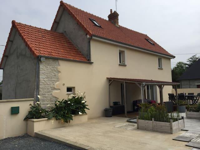 Maison de campagne au calme a 3 kms de Carentan . - Saint-Pellerin - Rumah