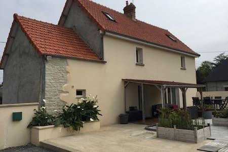 Maison de campagne au calme a 3 kms de Carentan . - Saint-Pellerin
