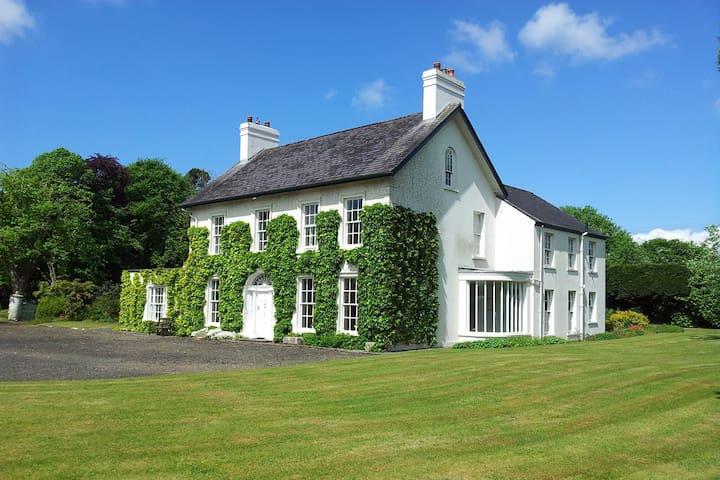 Islandreagh Comfortable Irish Georgian House