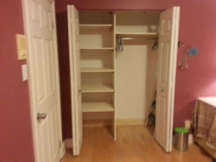 Large Closet - Perfect for Longer Stays