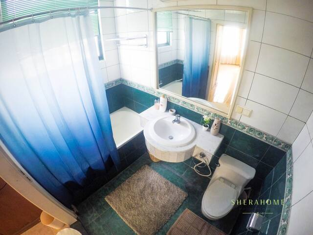 Cozy 2BR + 2 bath ***** Fast Unlimited Wi-Fi - Kebayoran Baru - Lägenhet
