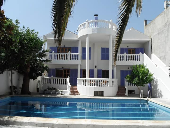 House with 4 bedrooms in Dúrcal, with wonderful mountain view, shared pool, furnished terrace