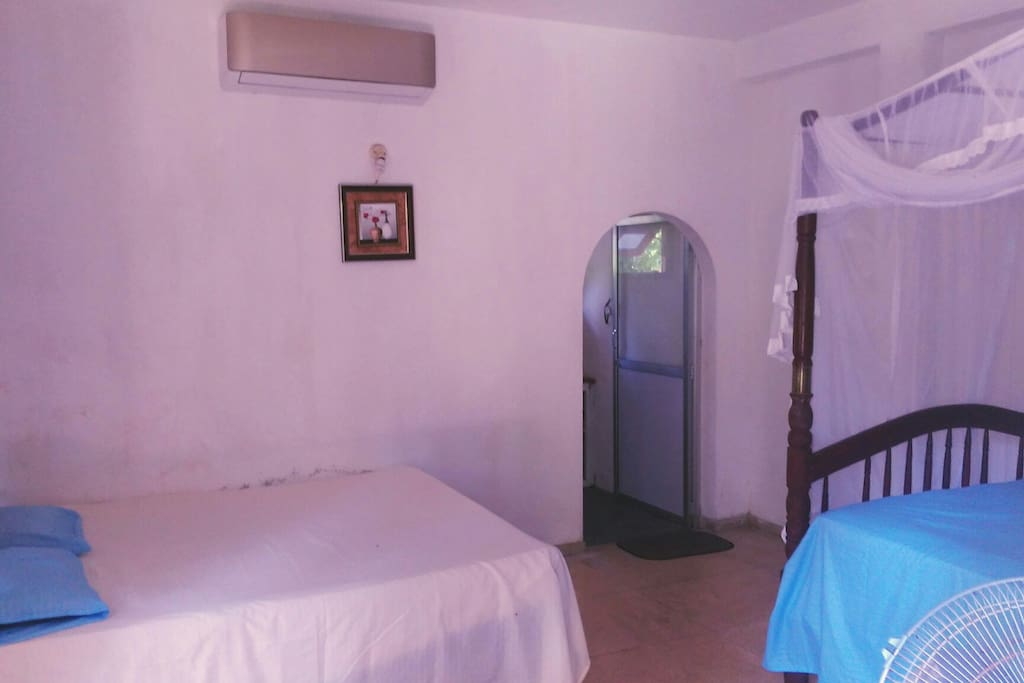 Air conditioning and two bed bedroom