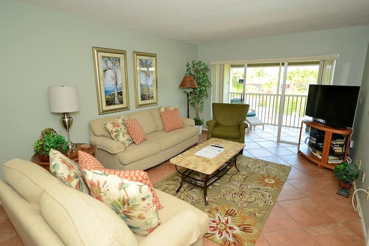 Sanibel Siesta on the Beach unit 306