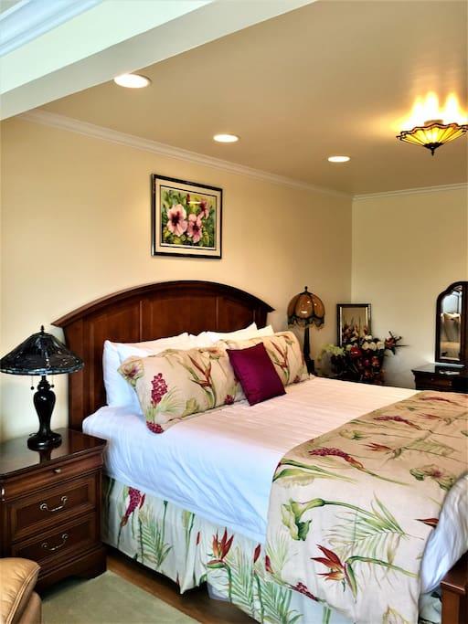 Master Bedroom w/Ensuite