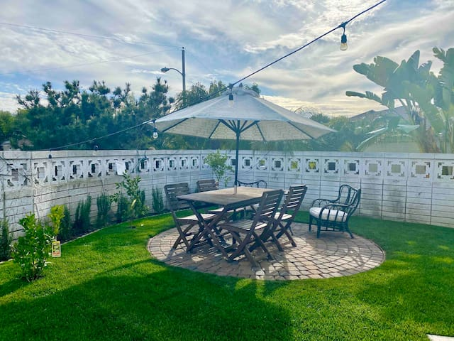 ☀️Sunny 2 Room Guest Suite w/ Pool &Private Garden
