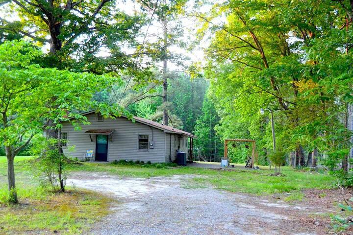 Homestead on 58- A Rustic Getaway