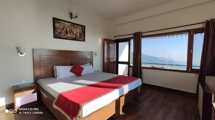 Super Deluxe Room | Glorious View of the Valley