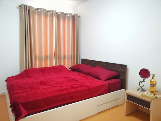 Feel Like Home Condo Sukhumvit 105