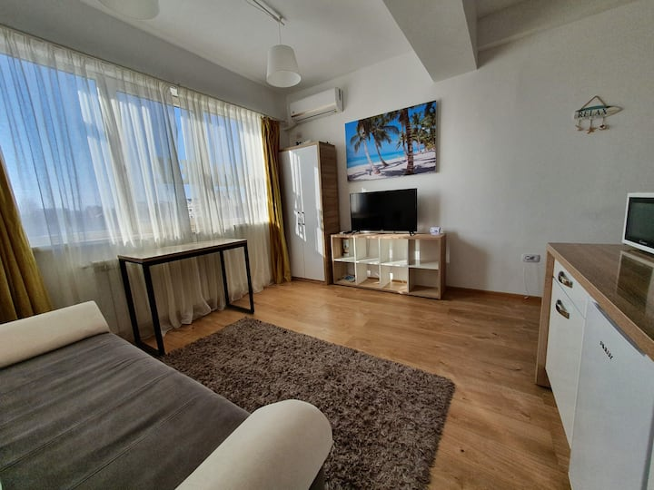 Apartament  nou, 2 cam., 4 min de plaja Kazeebo