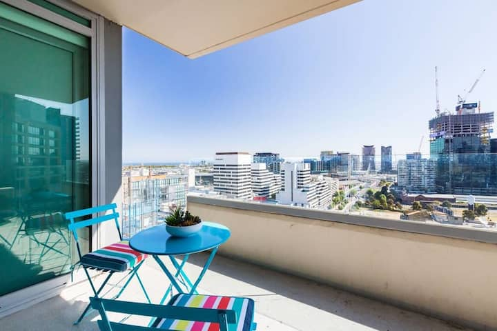 ★CITY View★ 1BD Apt in CBD, Pool, Spa, Gym