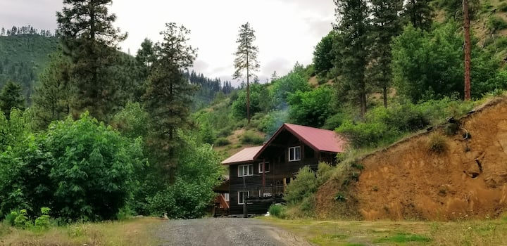 Mountain View Garden Cabin 5 miles to Leavenworth