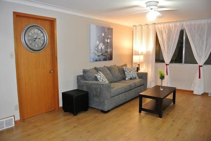 3 Beds, free parking, close to the Falls - Niagara Falls - Apartment