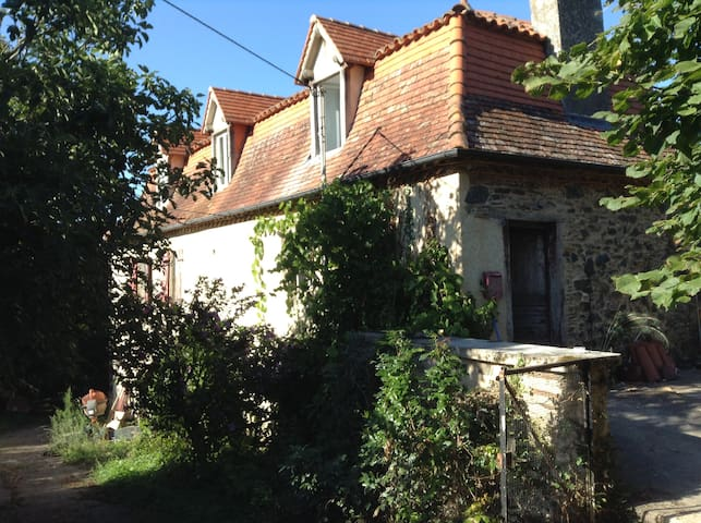 South West France, Rustic Farmhouse, sleeps 9