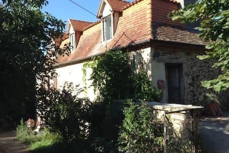 South West France, Rustic Farmhouse, sleeps 9