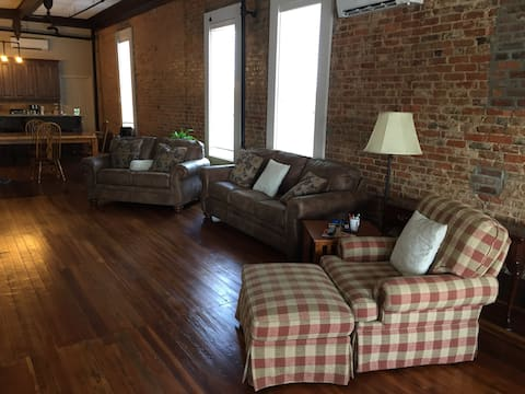 LOFT ON THE SQUARE DOWNTOWN TROY