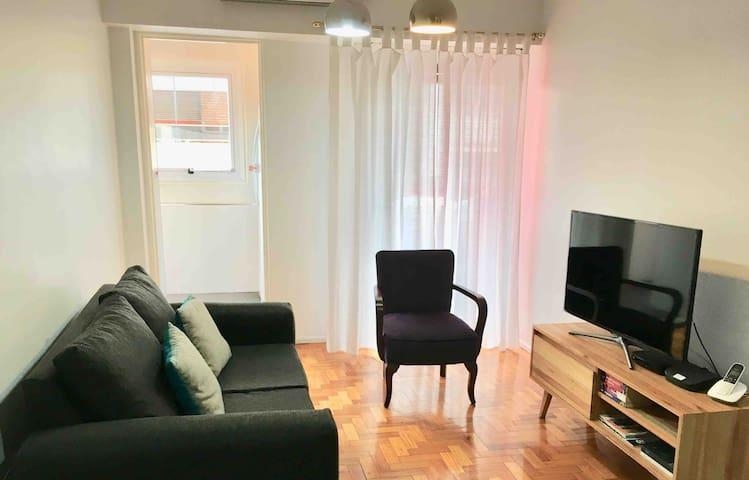 Sunny apartment near Recoleta Metro station