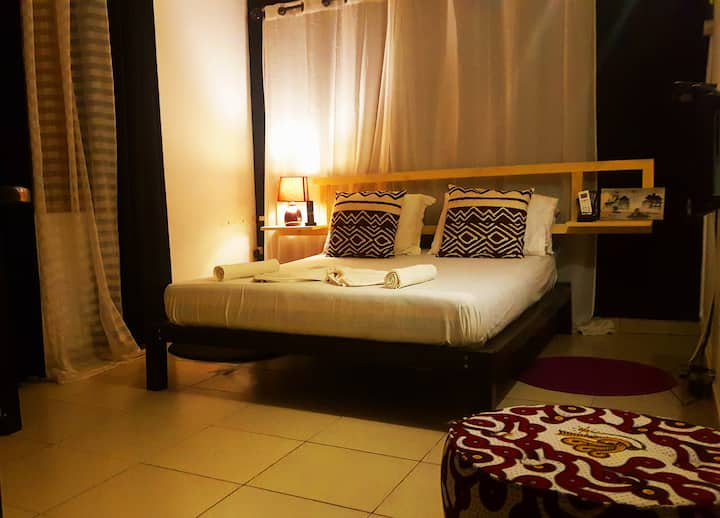 300m from beach, Lovely room (Maison de CanelYa)