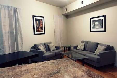Great Private Bedroom-- Minutes from NYC. Sleeps 2 - Jersey City