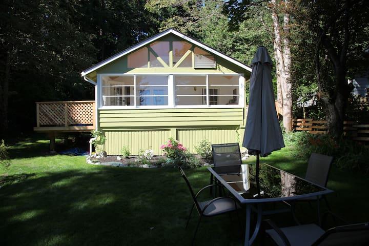 The Matthews Cottage