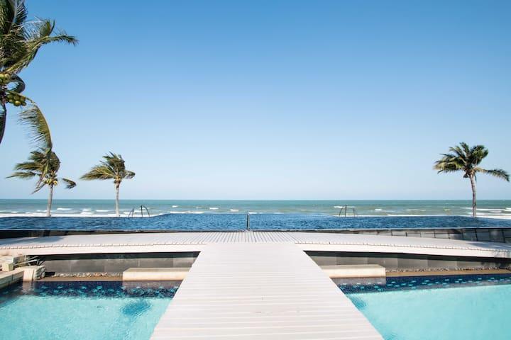 Beachfront Villa - Perfect for Family & Children